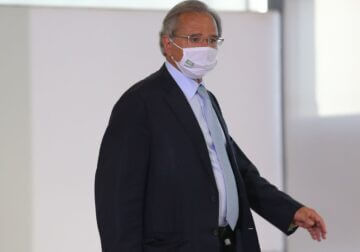 Economia crescerá de forma forte com vacinação, diz Guedes